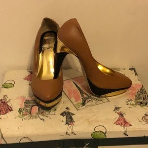 Unlisted a Kenneth Cole Production 3 tone Heels